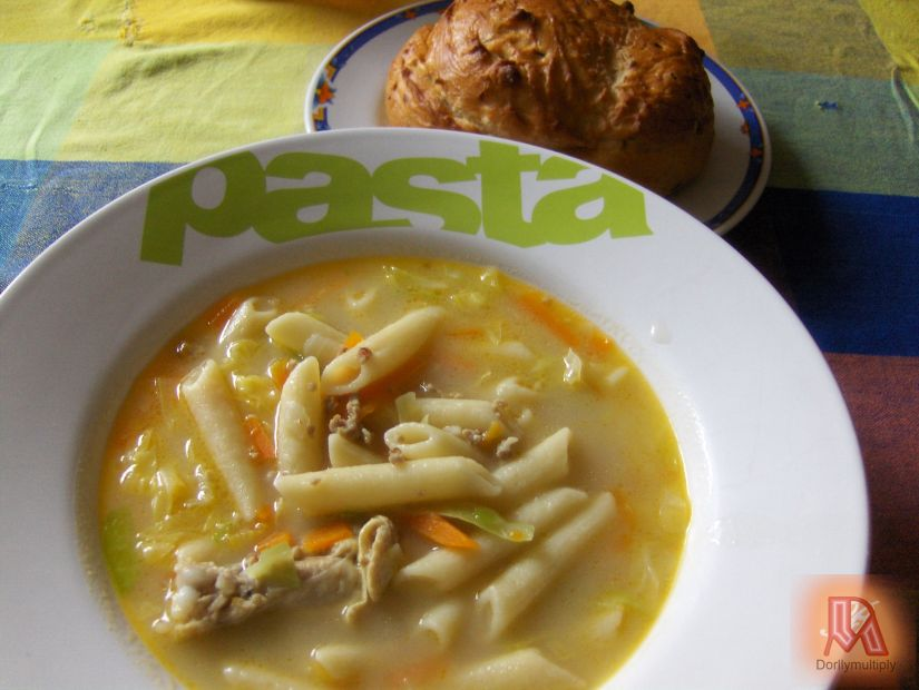 Dolly's PASTA-CHICKEN SOUP with BUNS