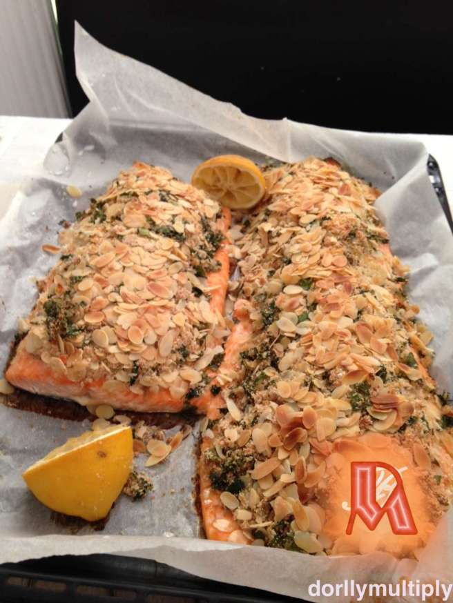 Ate Nitz's Baked Salmon with Almond nuts