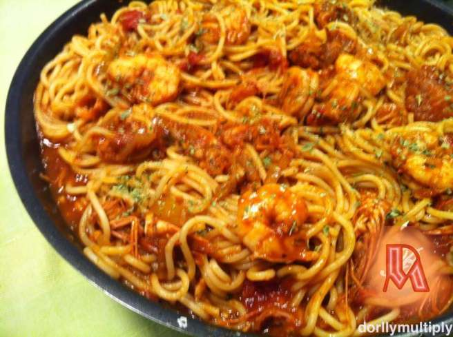 PASTA with SHRIMPS-TOMATOE SAUCE